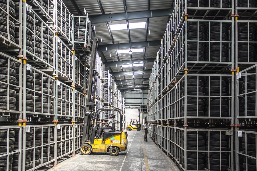 The Future of Forklifts is Electric