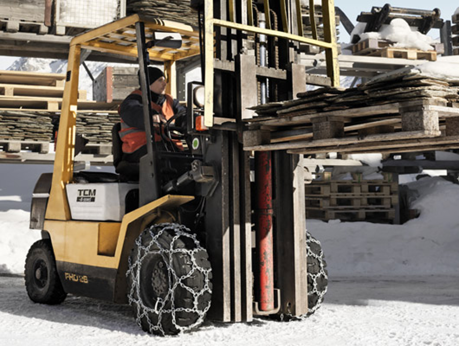 How to Prepare Forklift Trucks for the Winter