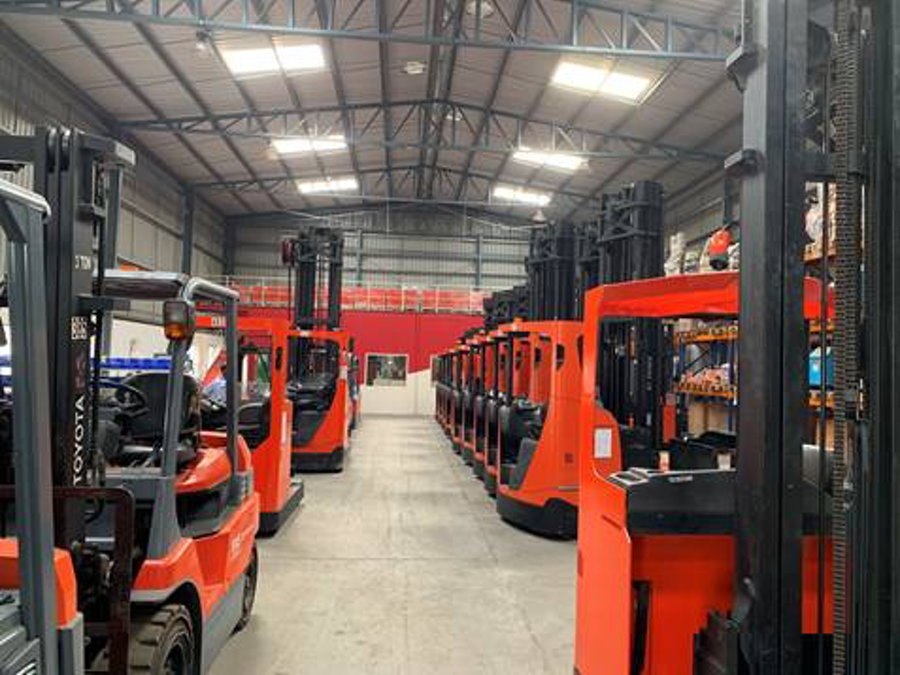 Case Study: Delivering Quality Used Forklift Trucks to Customers in India